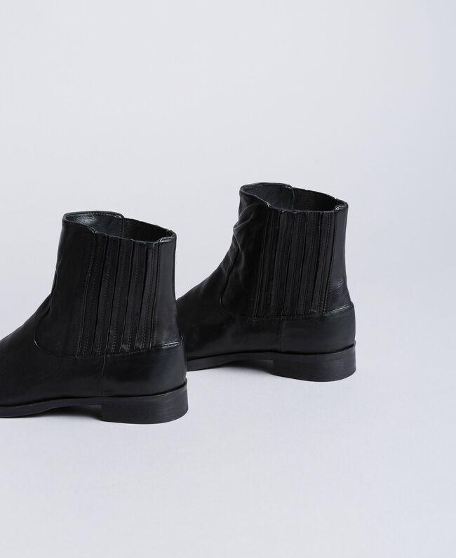 Beatle-Boots aus Leder Schwarz Frau CA8TKA-03