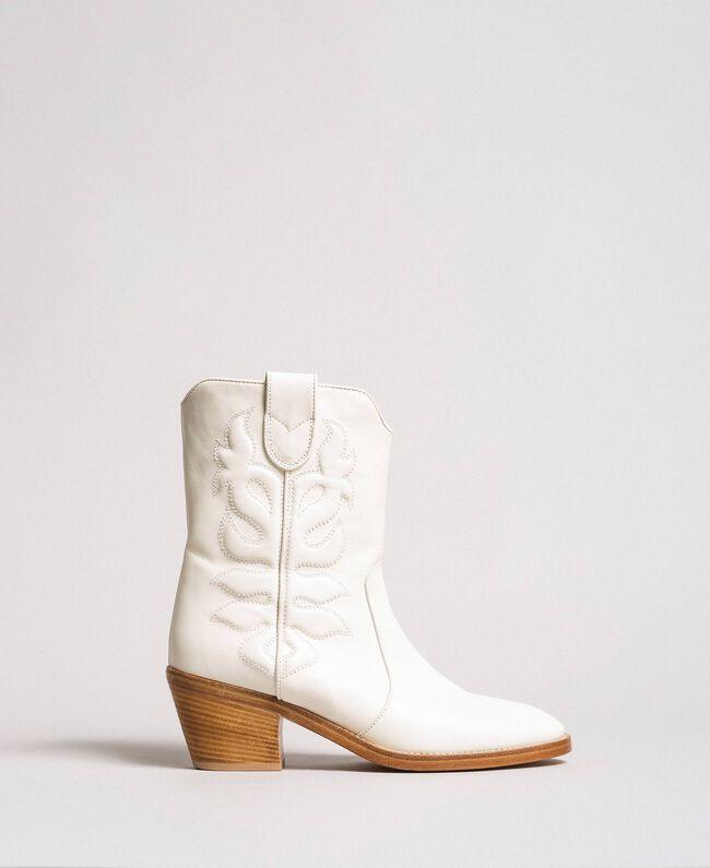Cowboystiefelette aus Leder mit Stickerei Weiß Schnee Frau 191TCP038-03