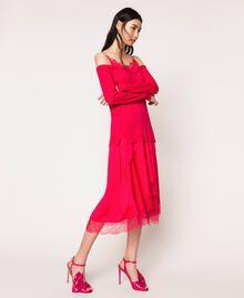 Трикотажное платье с атласной ложной комбинацией Вишня женщина 201TP3070-02