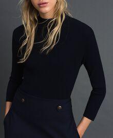 Kleid aus geripptem Gestrick und technischem Wollgewebe Midnight-Blau Frau 192TT3282-04