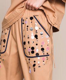 Поплиновые брюки-джоггеры с вышивкой Зеленый Вяз женщина 201ST2026-05
