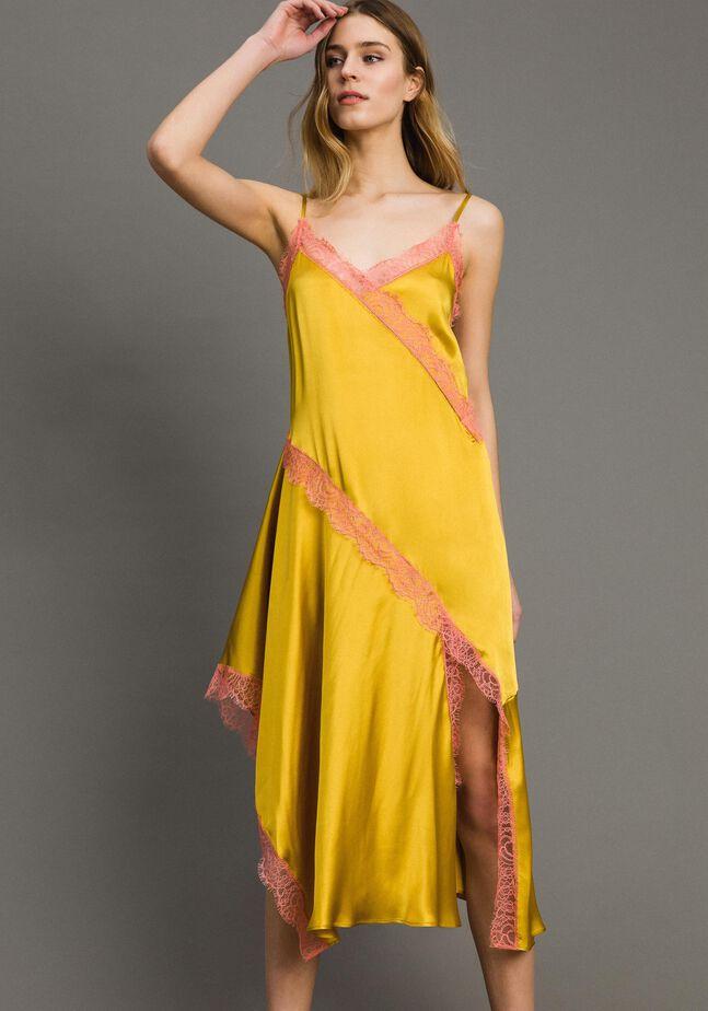 Vestido largo de mezcla de seda con encaje