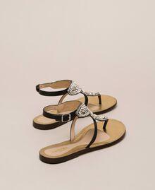 Flache Sandale aus Leder mit Stickerei Nougat Beige Frau 201TCT04E-03