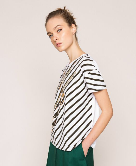 T-shirt with striped print and sequins