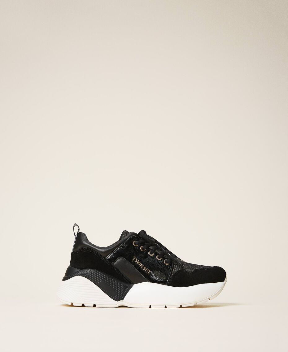 Running shoes with logo Black Woman 202TCP036-01
