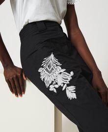 Pantalon en popeline avec broderie Noir Femme 211TT2473-06