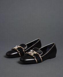 Loafer aus Leder mit besticktem Band Schwarz Frau 192TCP12G-01