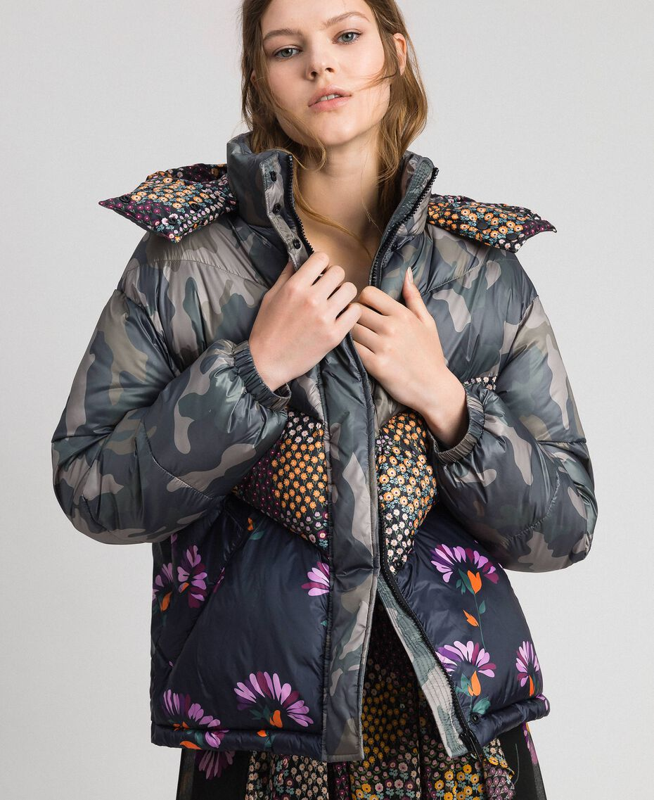 Short puffer jacket with camouflage and floral print Camouflage Print / Floral Woman 192TT2180-02