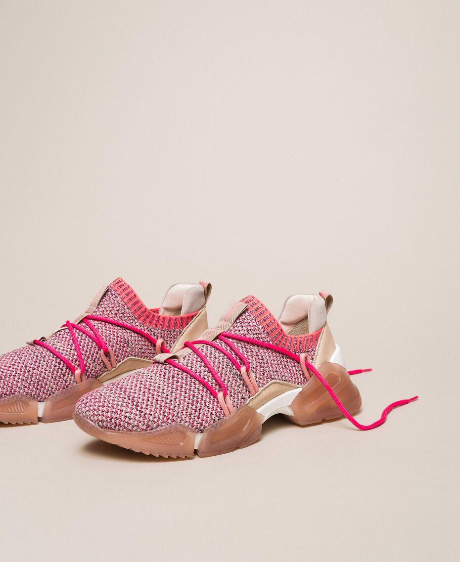 Textillaufschuh mit Neondetails Zweifarbig Rosa / Neonfuchsia Frau 201TCP154-02