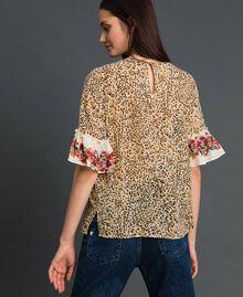 Bluse mit Blumen-Animal-Print Leopardenprint Frau 192TP2742-03