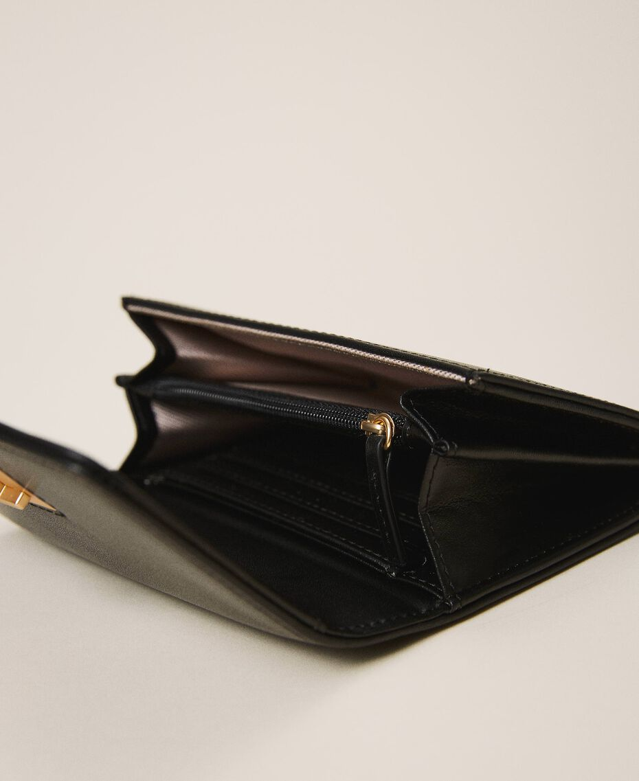 Leather wallet with flap Black Woman 202TD8043-03