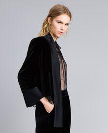 Jacke aus weichem Samt Schwarz Frau TA826R-01