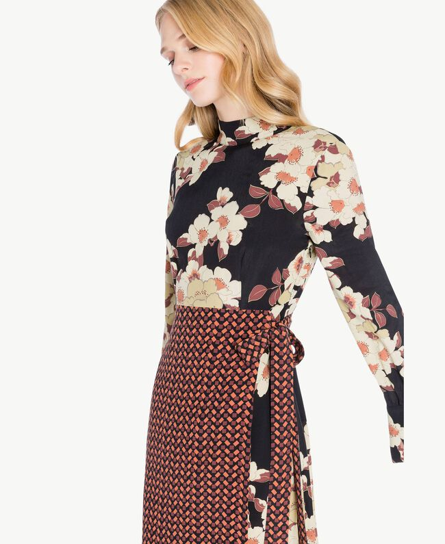 Kleid mit Print Mehrfarbiger Kirschblütenprint TA7251-04