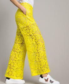 Pantalones palazzo de encaje de macramé Amarillo Fluo Mujer 191MT2154-02