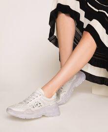 Chaussures de running en cuir velours et strass Blanc Femme 201MCT042-0S