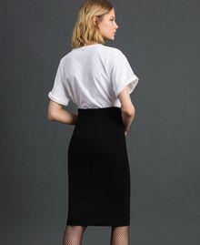 T-Shirt mit Stickschmetterling Weiß Frau 192TP2711-04