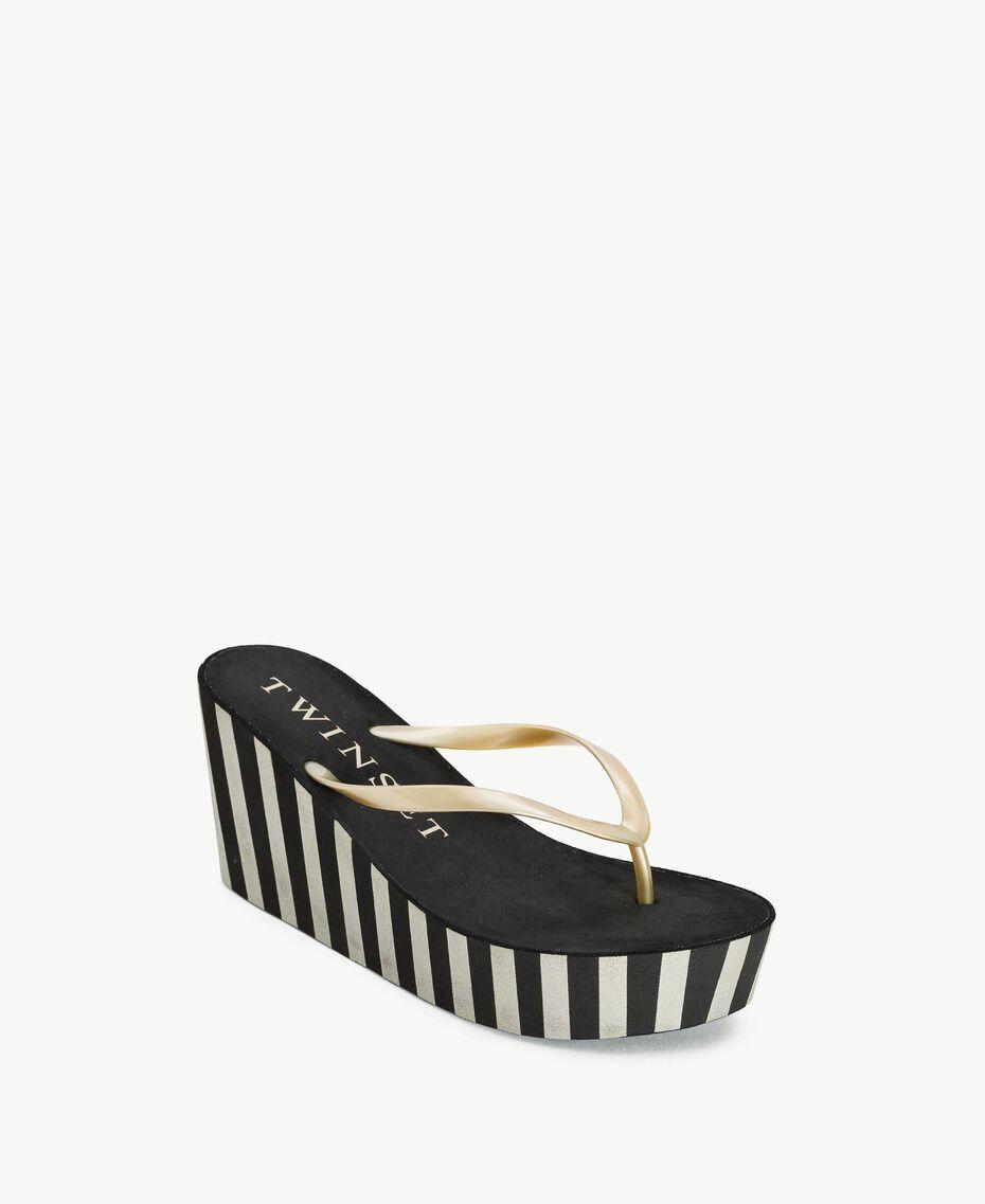 Platform flip flop shoes Two-tone Black / Gold Woman BS83JJ-02