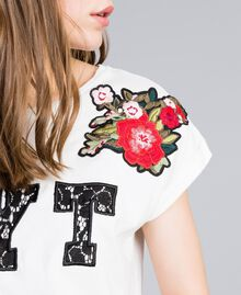 T-shirt avec broderies et applications Nacre Femme JA82M2-04