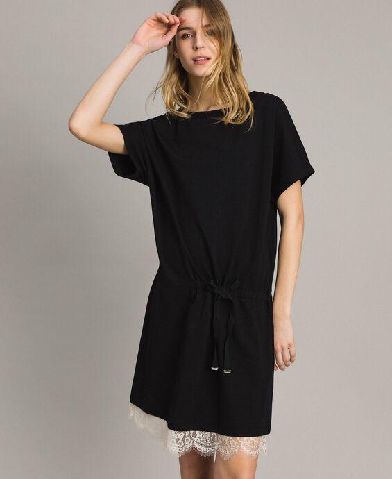 Fleece-Kleid mit Kordelzug und Spitze