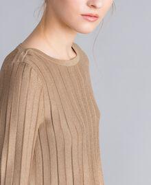 Pullover aus Lurexgarn mit Plissee Lurex Kamelbraun Frau PA83CC-04