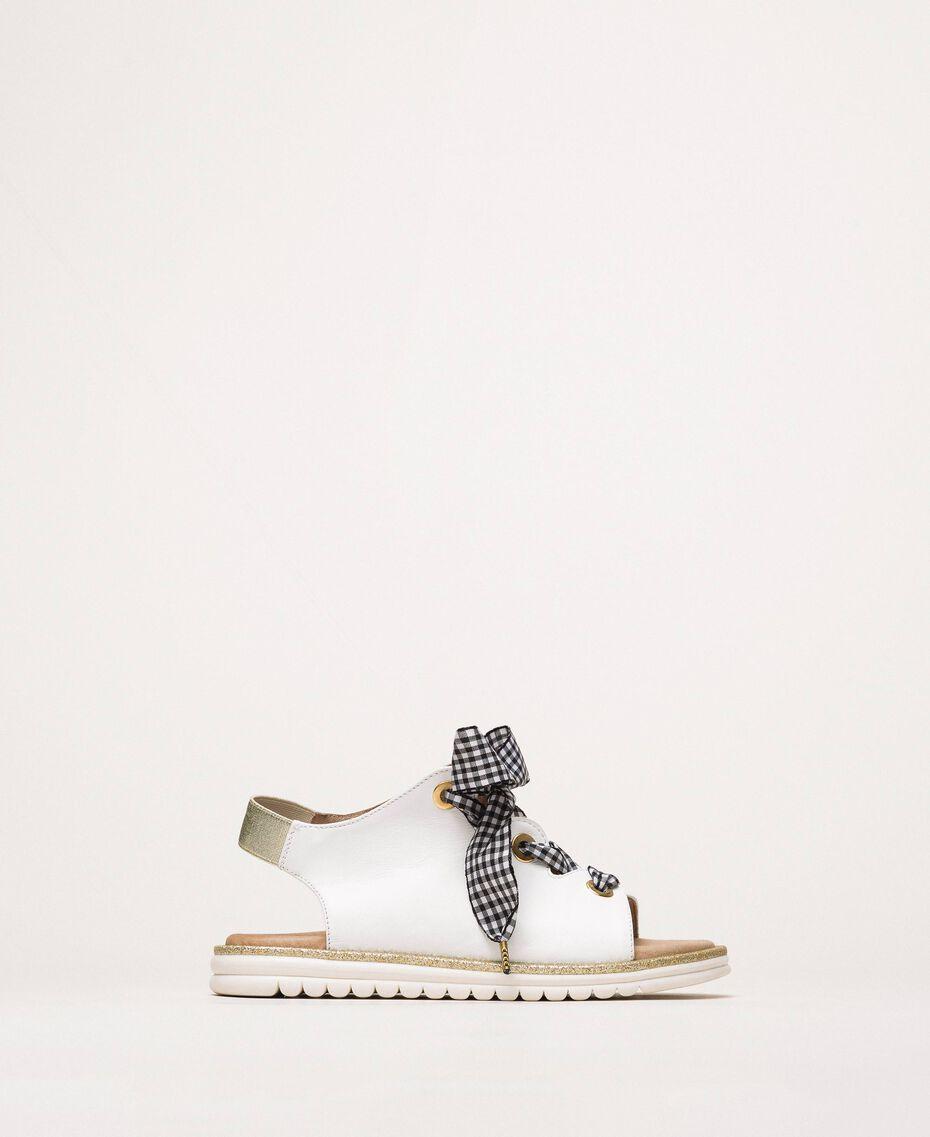 Кожаные сандалии со шнурками в мелкую клетку «виши» Белый Pебенок 201GCJ142-01