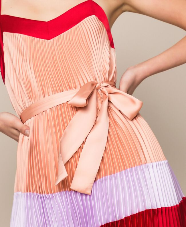 """Платье-комбинация из плиссированного атласа Разноцветный Красный """"Лава"""" / Фиолетовый """"Балерина"""" / Телесный розовый женщина 201TP2311-05"""