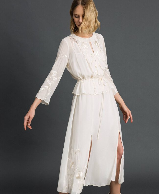 Robe longue en crêpe georgette avec broderies Blanc Neige Femme 192TP2340-03