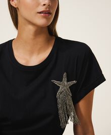T-shirt avec étoile brodée Noir Femme 202TP246A-04