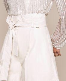 """Short en similicuir avec ceinture Blanc """"Soie"""" Femme 201ST2115-04"""