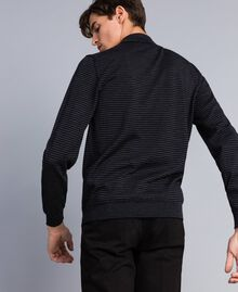 Pull col montant in laine rayée Bicolore Gris Anthracite Chiné / Noir Homme UA83AC-04