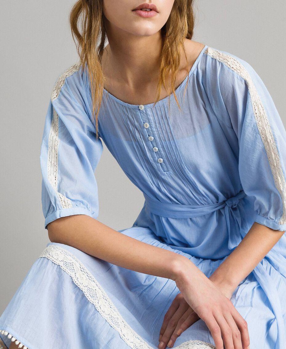 """Robe en voile ornée de dentelle et de broderies Bicolore Bleu Clair """"Atmosphère"""" / Écru Femme 191ST2113-01"""
