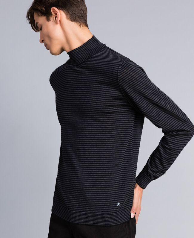 Pull col montant in laine rayée Bicolore Gris Anthracite Chiné / Noir Homme UA83AC-03