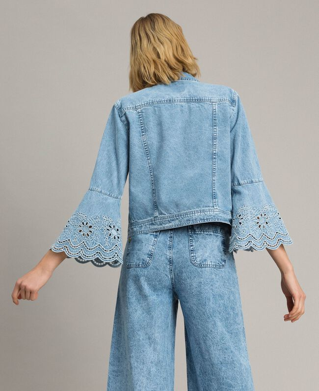 Blouson slim en jean avec broderie anglaise Bleu Denim Femme 191MP2430-03