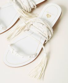 Sandales plates avec clous Ivoire Femme 211LMPZZZ-02