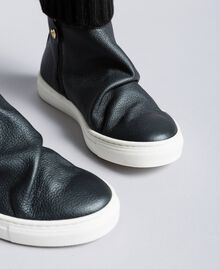 Sneakers a stivaletto in pelle e maglia Nero Bambina HA88B3-04