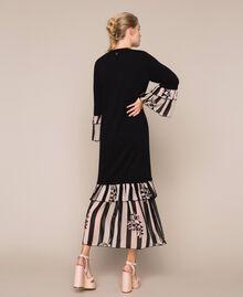 Трикотажное платье с набивными оборками Двухцветный Черный / Принт Полоска женщина 201TP3252-03
