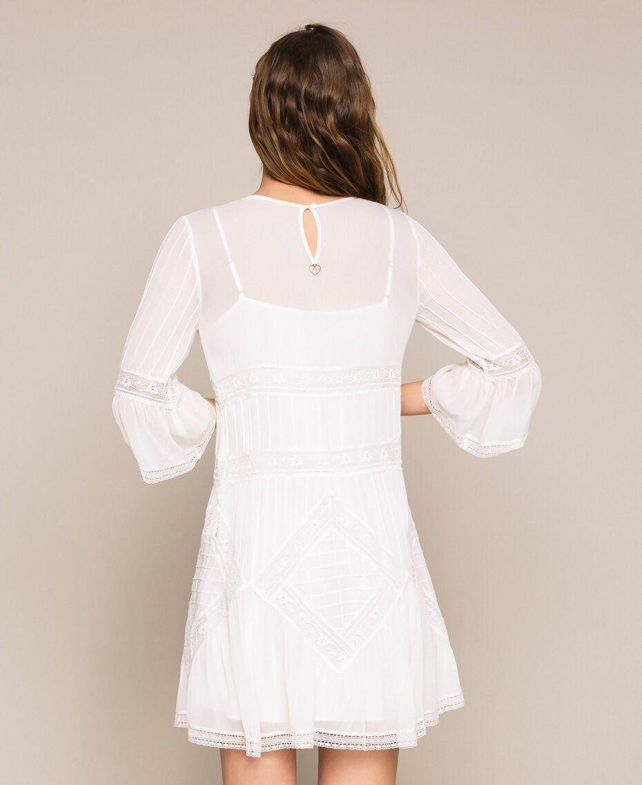 Robe en crêpe georgette avec broderies et dentelle Blanc Antique White Femme 201TT2082-03