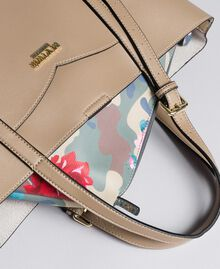 Faux leather shopping bag and print clutch Bicolour Turtle Dove / Camouflage Woman VA8PGN-04