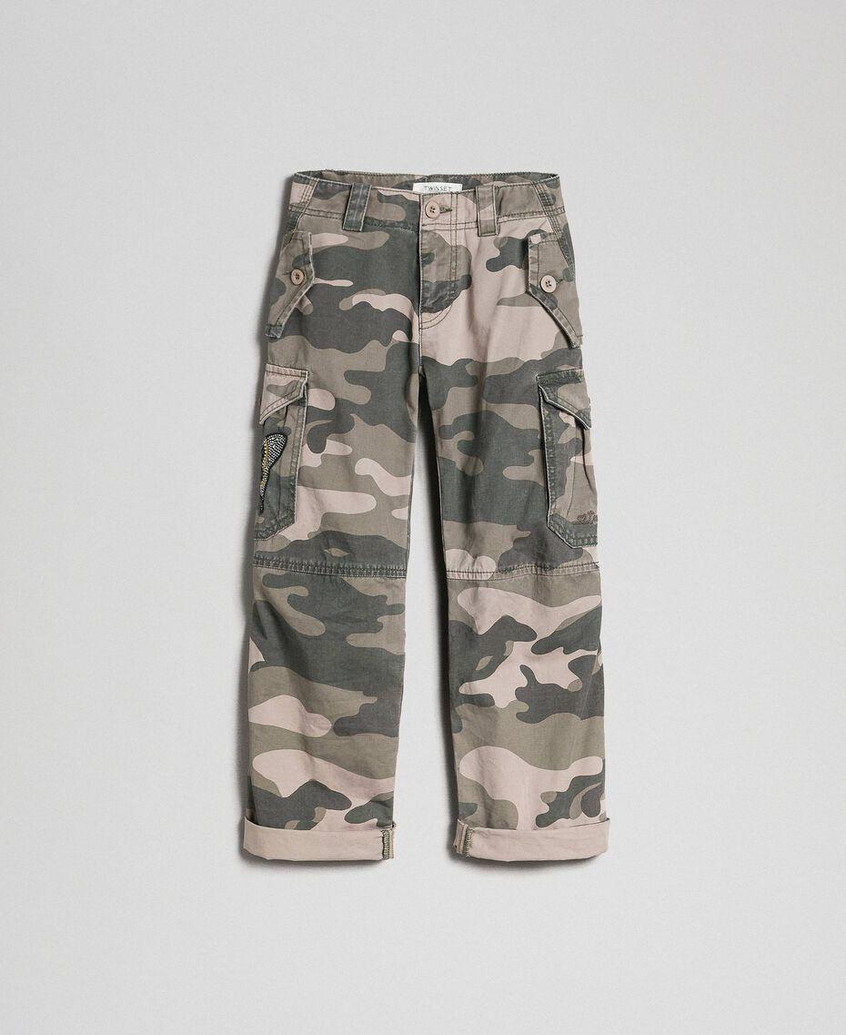 Pantaloni cargo a stampa camouflage Stampa Camouflage Bambina 192GJ2162-0S