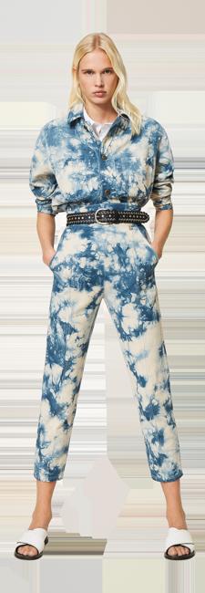 23-shop-by-look-look-tendance-jean-tie-dye-bleu-femme-printemps-ete-2021