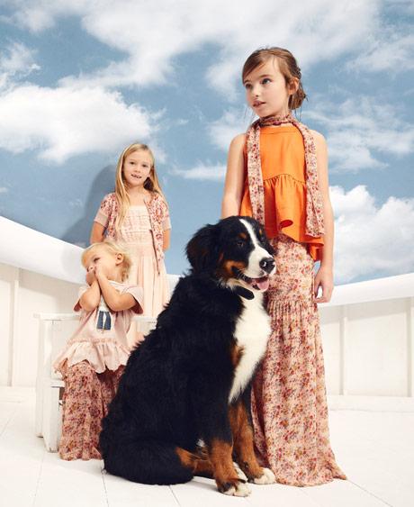 940a417fa648 campagna-twinset-girl-look-fiori-bambina-primavera-estate-