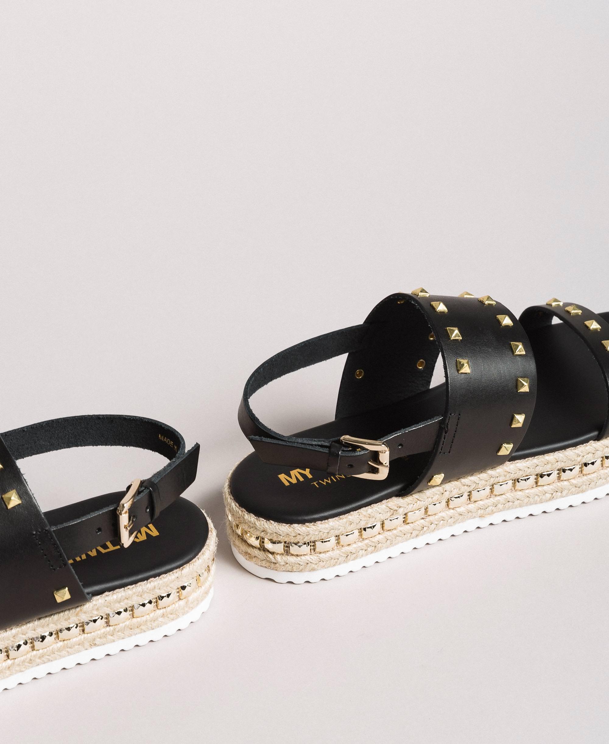 Platform sandals with studs