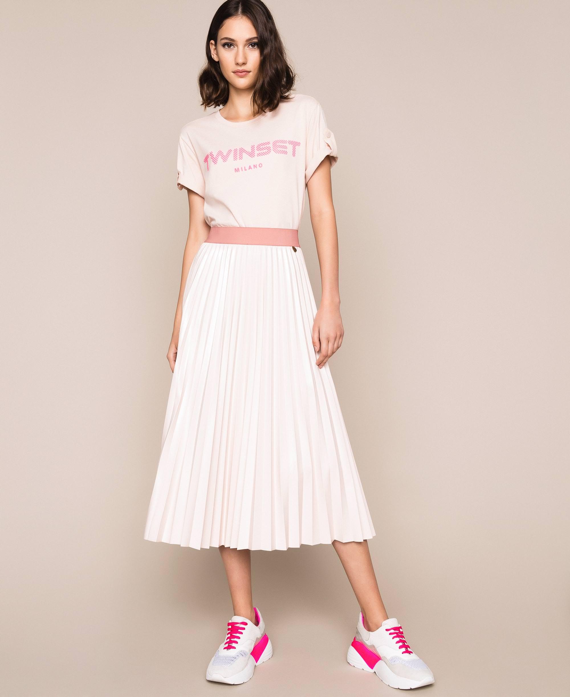 С чем носить кожаную юбку-карандаш - фото 2020 | Шкатулка красоты | 2445x2000