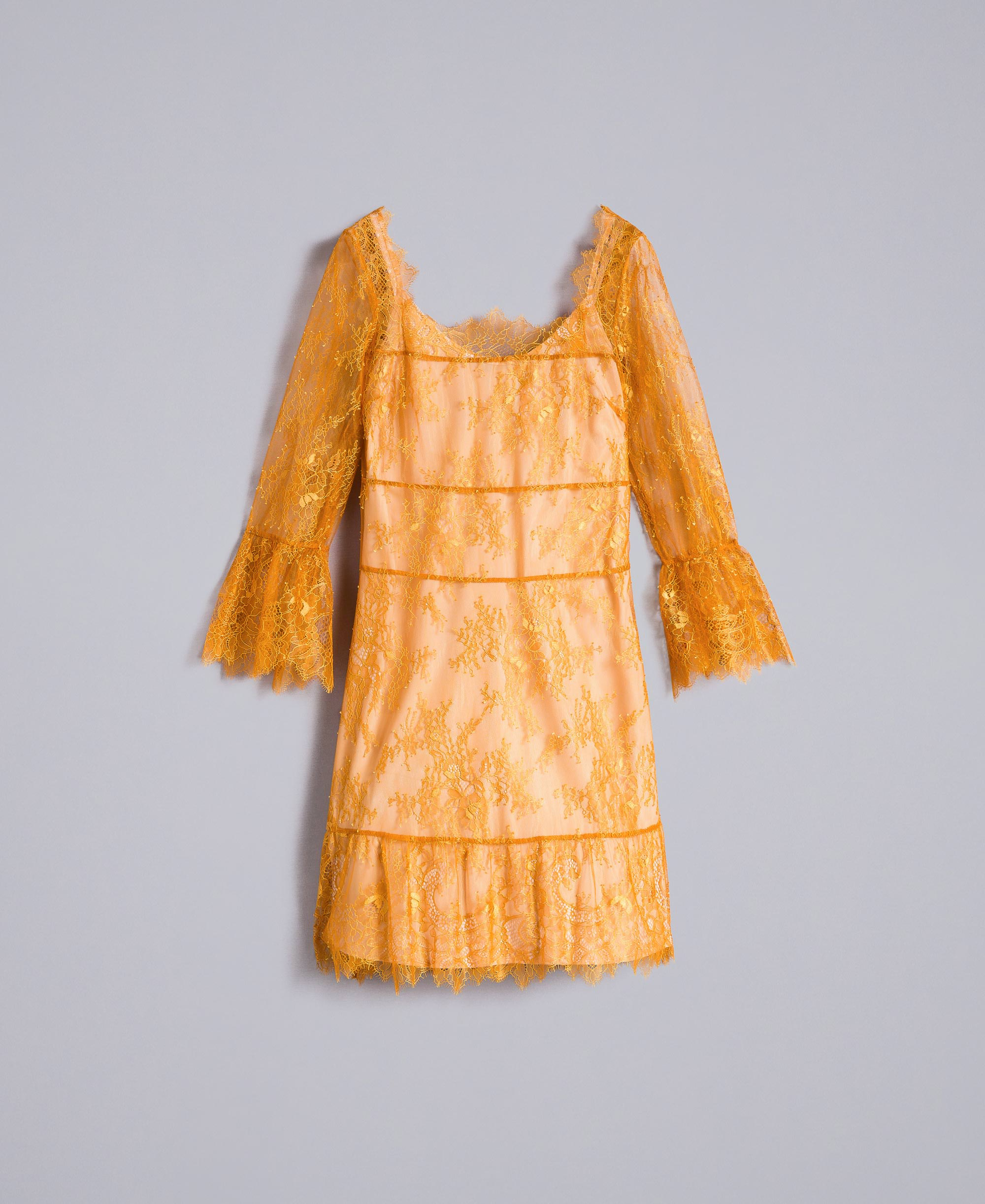 kurzes kleid aus valenciennesspitze
